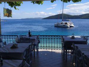 zolithros-mikros-gialos-lefkada-restaurant-sailing
